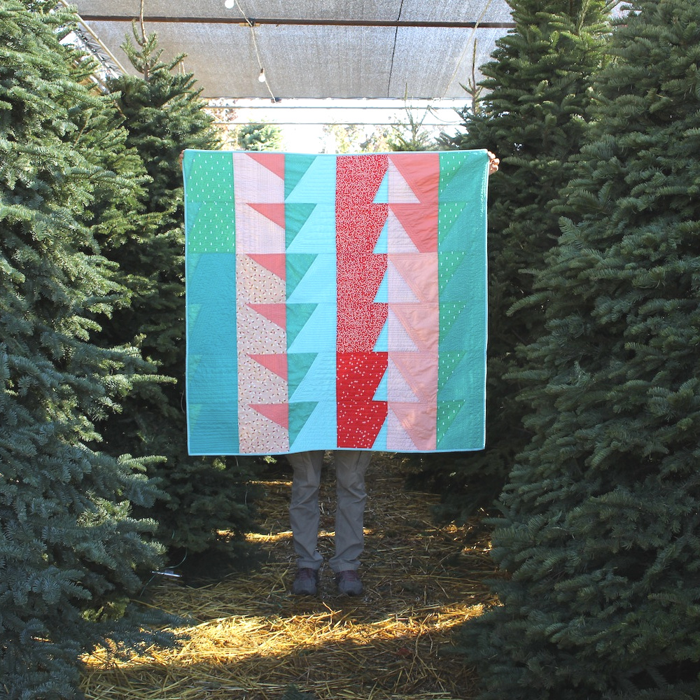 CANDY CANE LANE 50 x 51 | 2018, Quilt 025 Bayside by Suzy Quilts