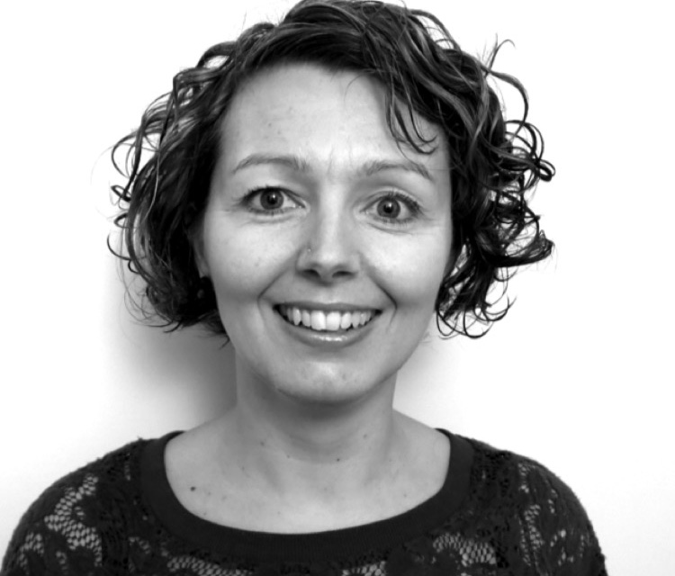 Lynn Stewart-Taylor - Lynn is a Deaf Consultant support our training and BSL mentoring of students and professional interpreters.