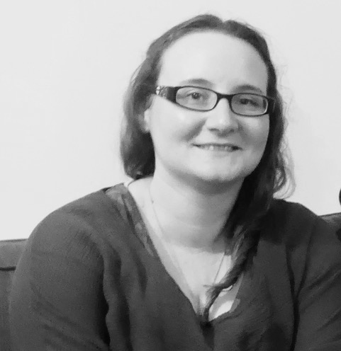 hannah robinson - Hannah is in training as an assessor for Interpreting Pathways. She has been interpreting since 2011 after graduating from Bristol University's Deaf Studies programme.