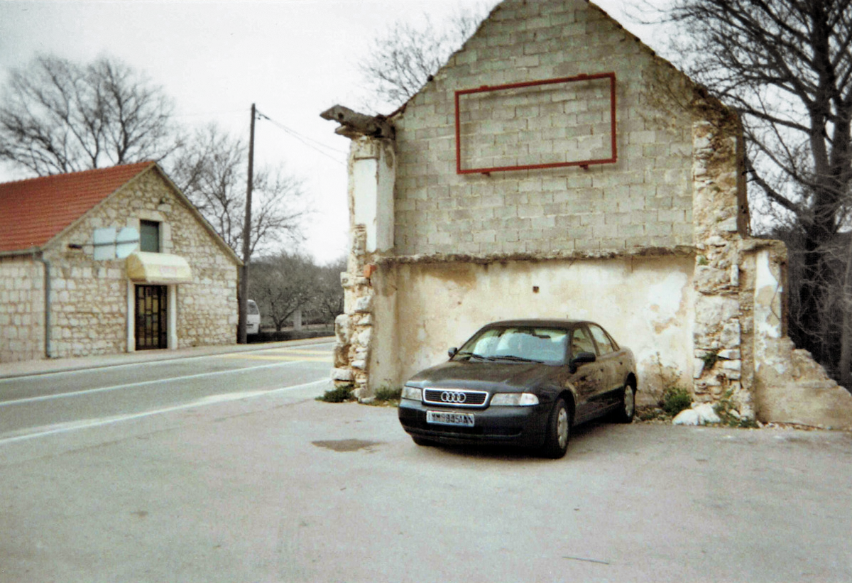 Bosnia_car.png