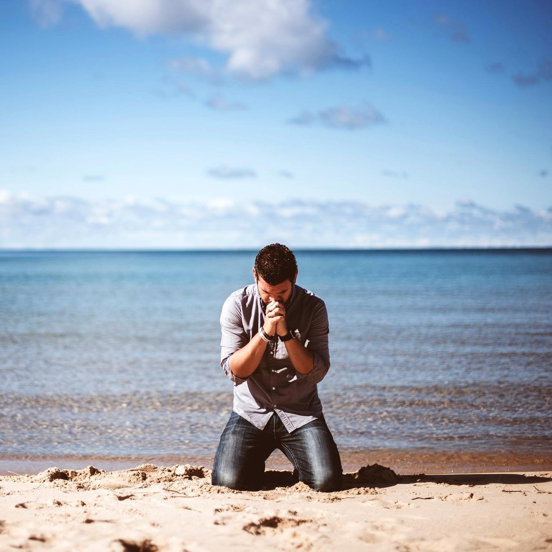 man on knees ben-white-137387-unsplash.jpg