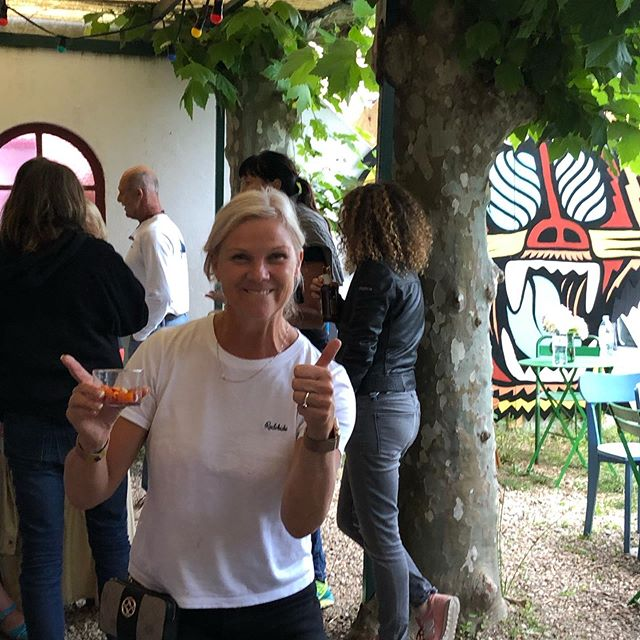 Surf camp welcome dinner tonight. Everybody has arrived and the camp for this week can start. Welcome everyone. Lovely meal at Maison Marienea tonight, now some some sleep and then we hit the waves together tomorrow morning. 🏄🏼‍♀️🌊😎🤙 #maisonmarienea #reunion #surf #surfing #surfcamp #guethary #womenwhosurf #learntosurf #biarritz #mamasurfclub