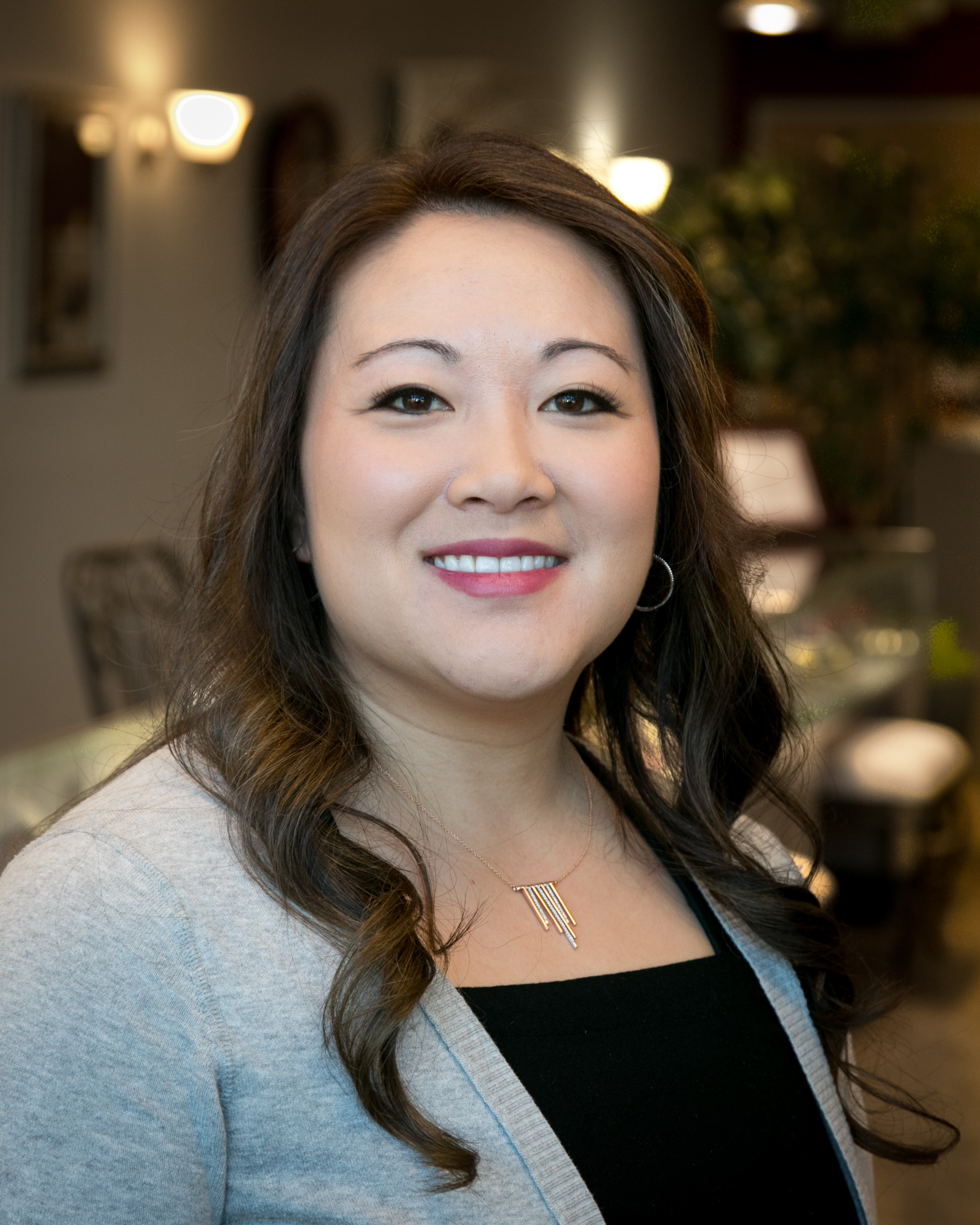 - Angela Son has been a retail jeweler in Nampa since  1992. She is a Certified Diamontologist with the Diamond Council of  America. Angy loves to be involved with the community. She graduated  from Boise State University with a Bachelors in Multidisciplinary  Studies and a minor in Business.
