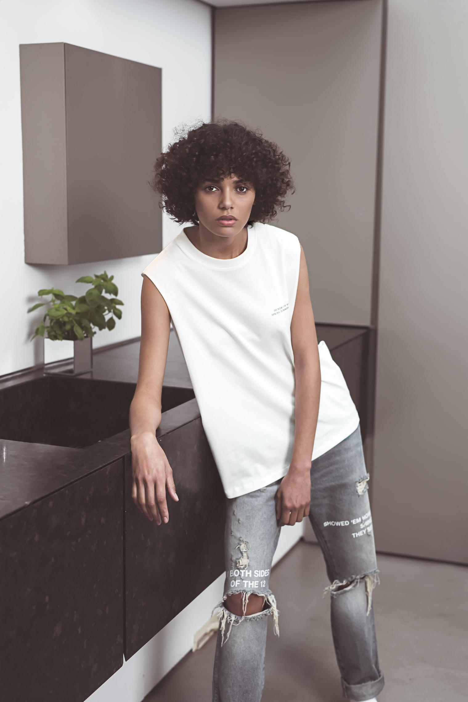 SS19 WOMAN LOOK BOOK-2_Page_04_Image_0001.jpg