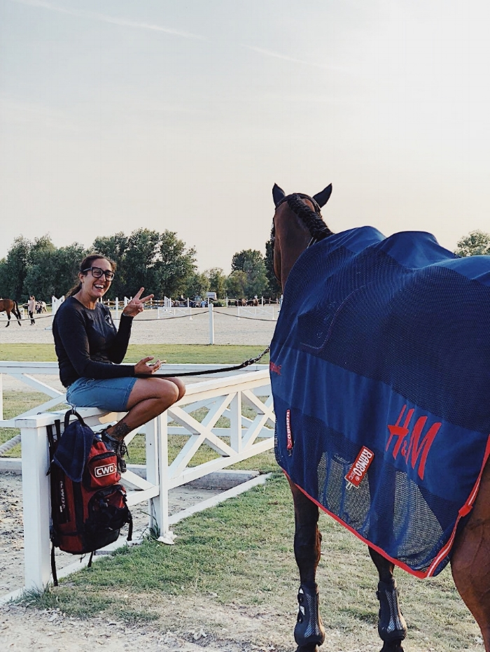 35-åringen er opprinnelig fra Cantú i Italia. Hun har vært Nicola's hestepasser siden juli 2015. Gjennom en venn kom hun i kontakt med han midt mellom WEF i Florida og Spruce Meadows i Canada, og siden da har de reist verden rundt sammen med hestene og resten av teamet.