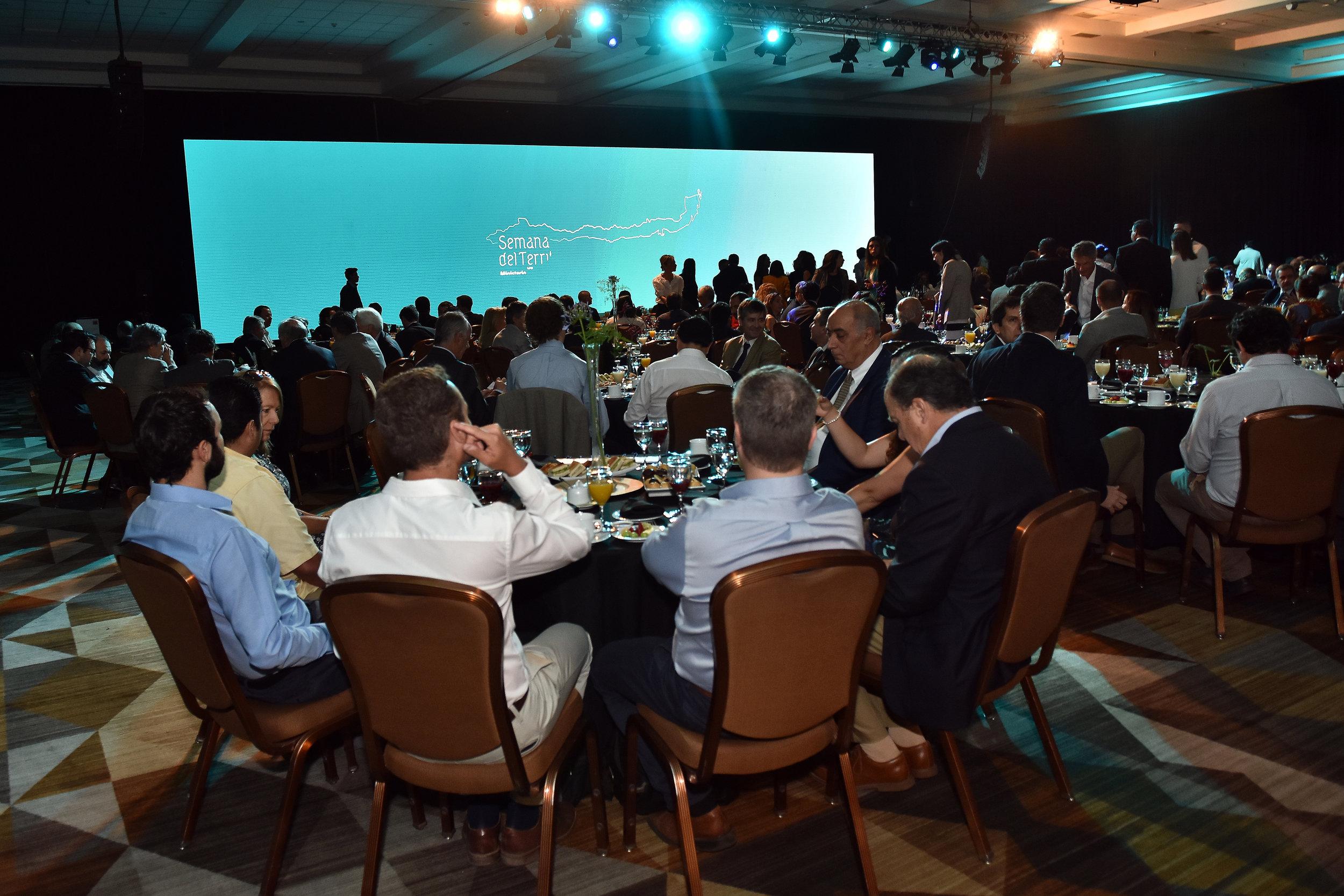 produccion-evento-desayuno-invierte-en-chile-ministerio-bienes-nacionales-cproducciones-8