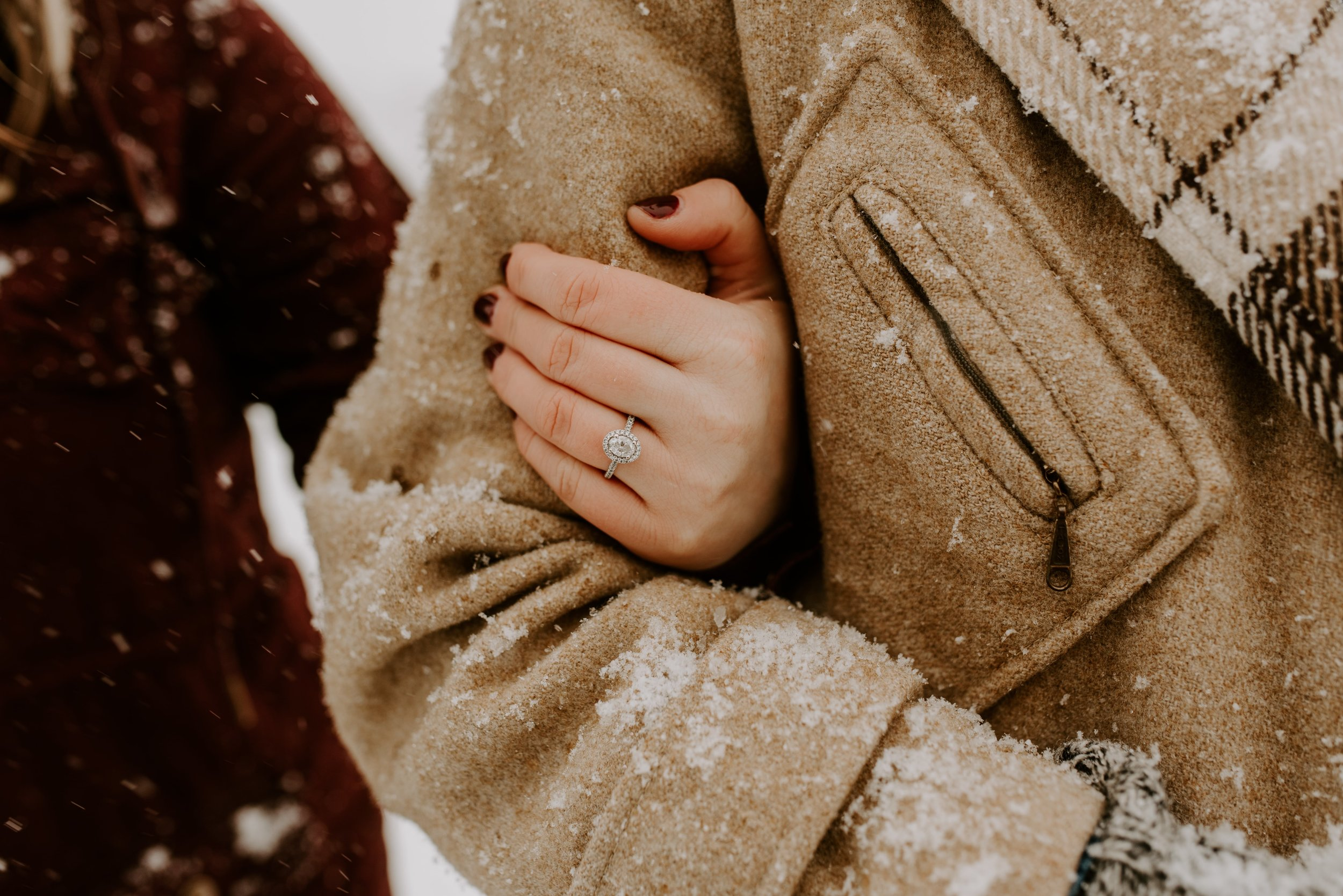 Iowa City Winter Engagement Photos 10.jpg