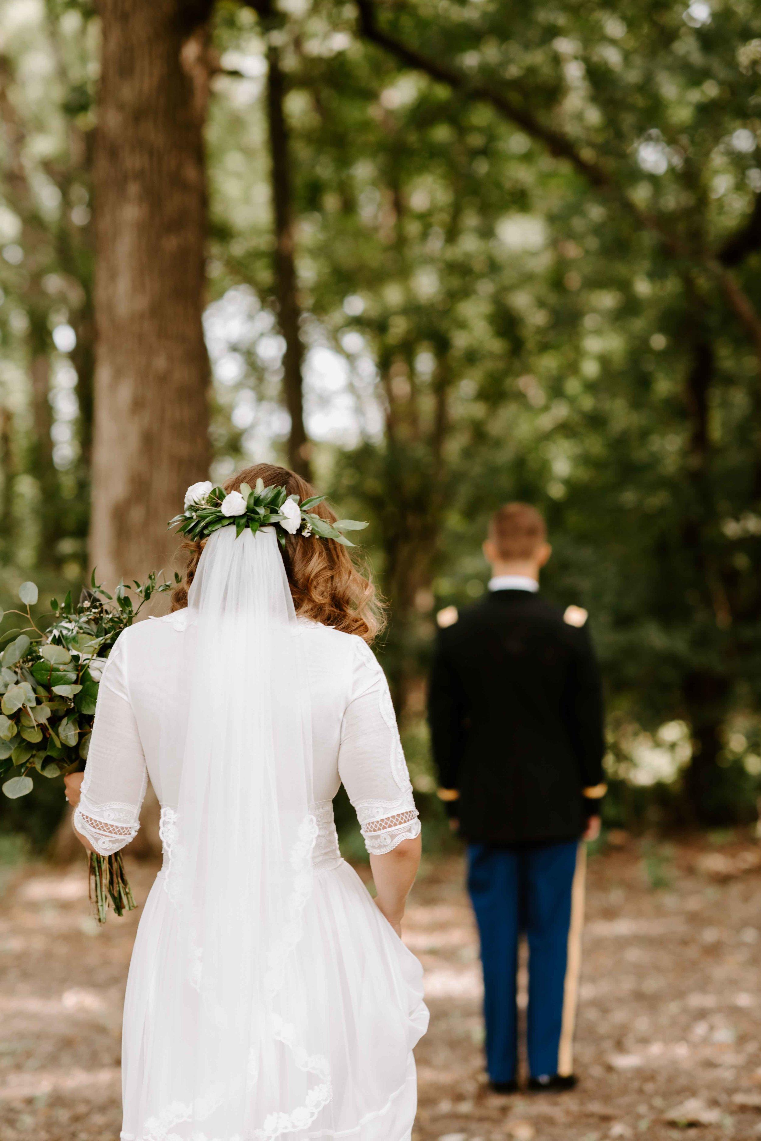 Chicago Wedding Photos in Nature.jpg