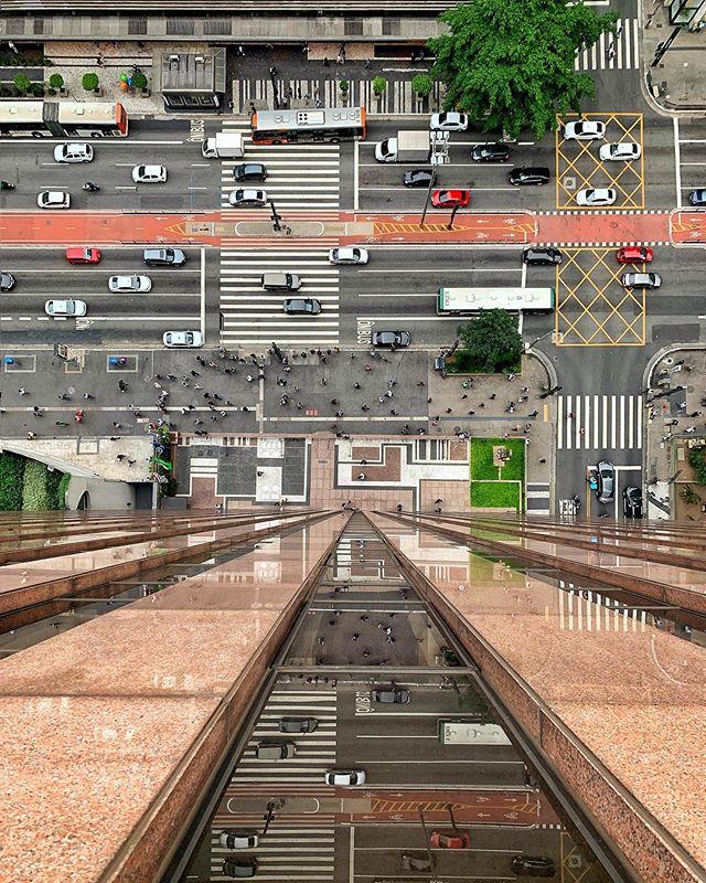 Paulista X Augusta e uma calçada Burle Marx 🚗🏢🚕🌿🚌