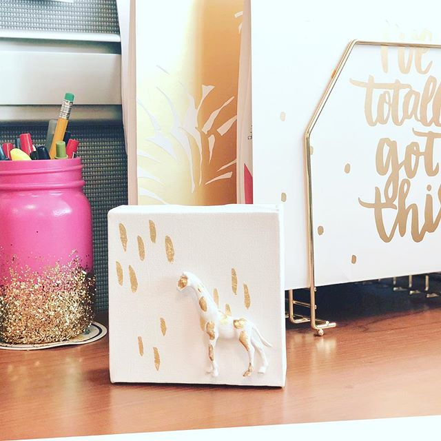 Love seeing the petite art in their new homes 🎨