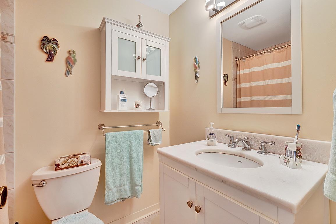 018bathroom2.jpg