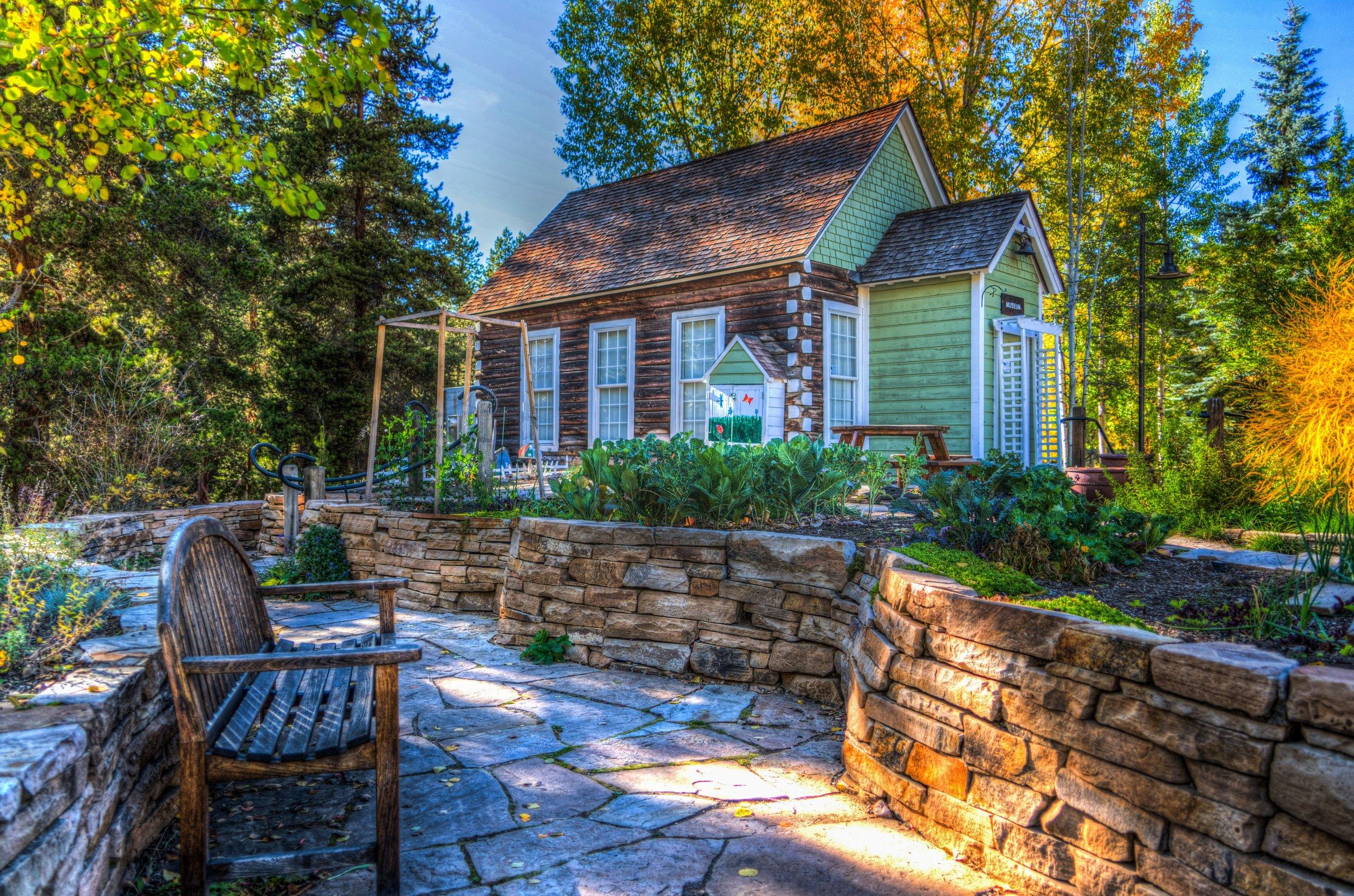 architecture-autumn-bench-206673.jpg