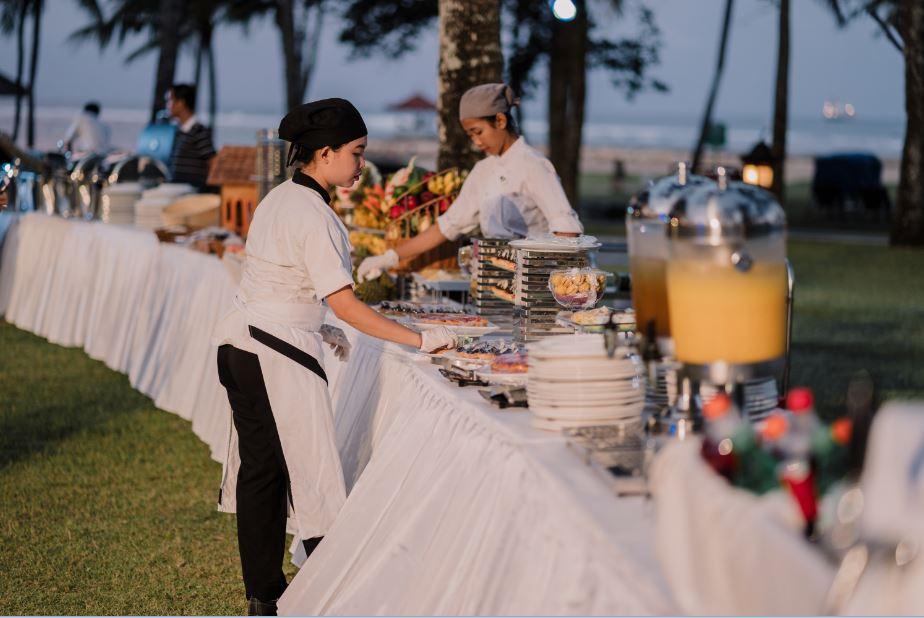 beachbuffet.JPG