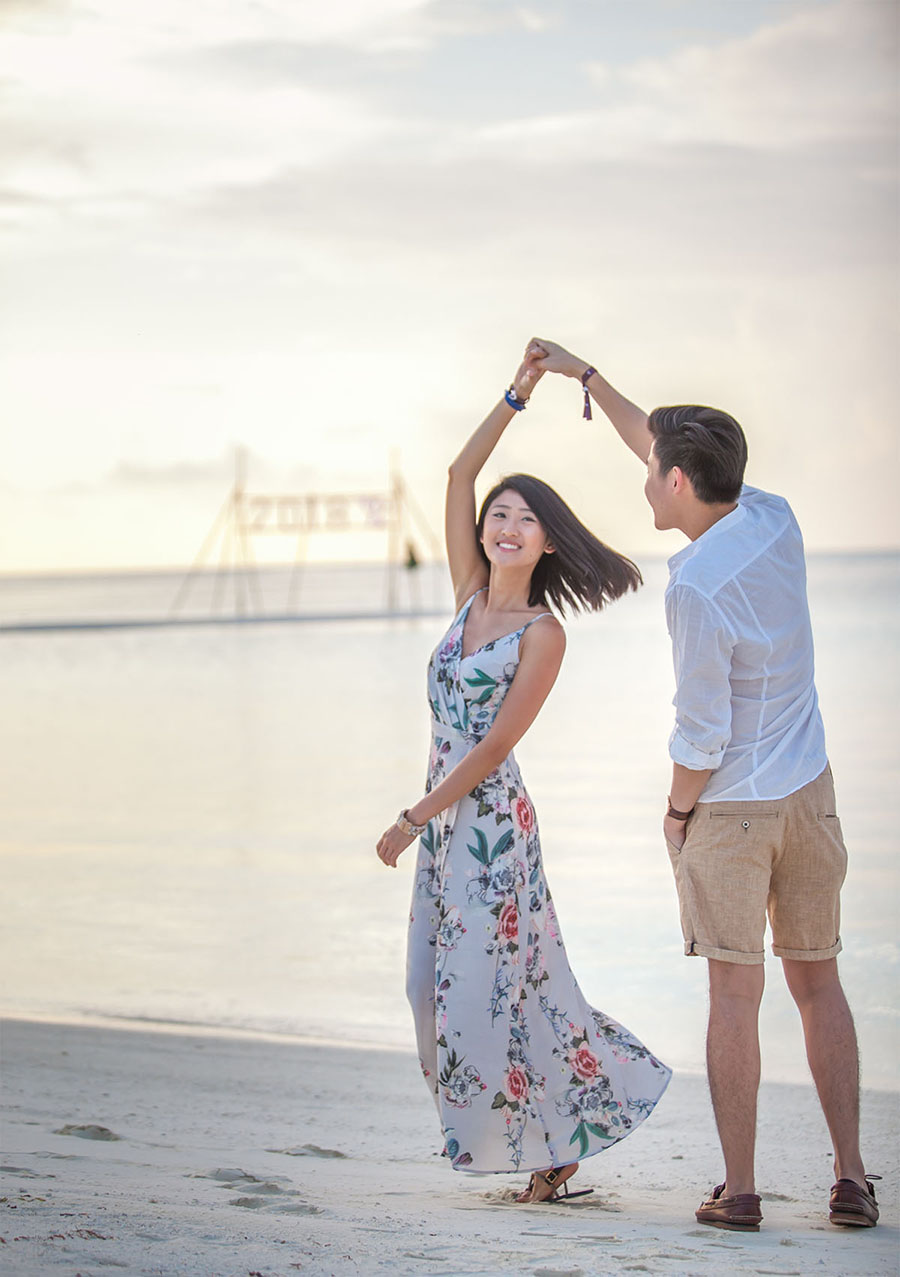 d055f_2-marriage-proposal-beach-sunset-club-med-finolhu-villas-maldives.jpg