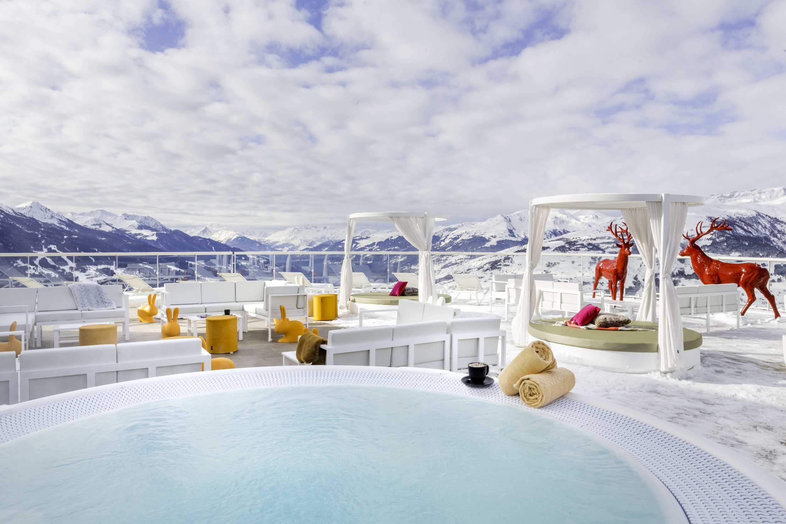 #4 From Ski to Apres Ski - Get the real mountain experience at your doorstep. Go snowshoeing, nordic walking or just dive in the pool. Parents can relax in the hot tub while bub is in the Kids Club or reunite for a fun time together in the indoor heater pool with a view. All included!
