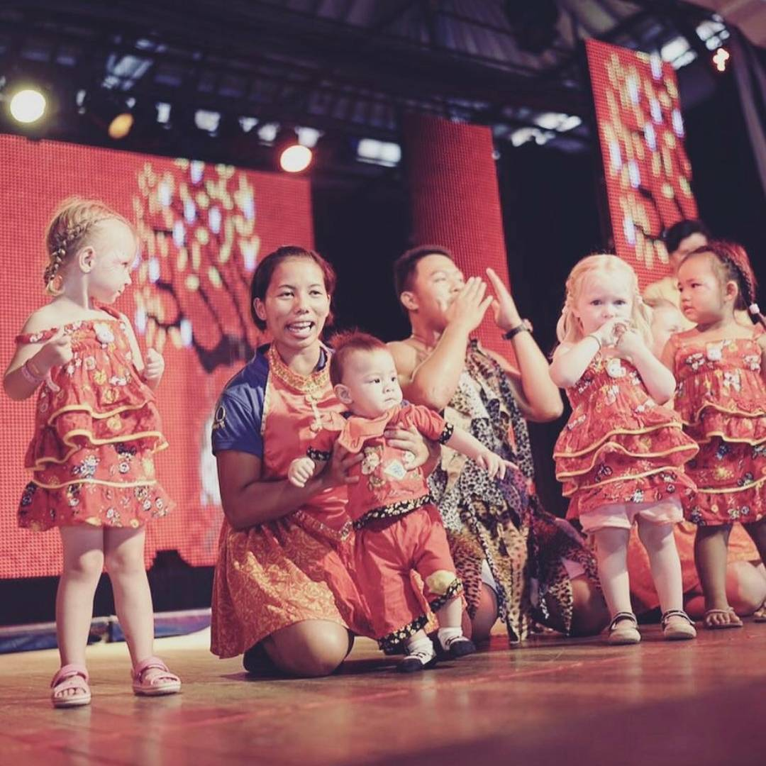 5 pm - Their first on-stage appearance: twice a week, the Mini Club puts on a show for their parents, complete with music, costumes, and choreographed dances! Mini stars are born at Club Med and each child is given an opportunity to shine.