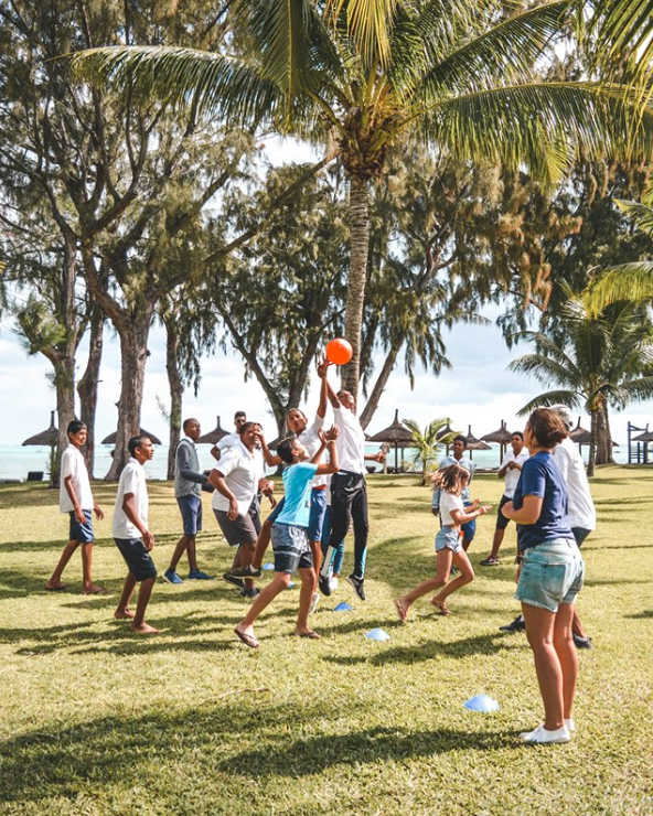 Club Med La Fondation   At  Club Med La Pointe aux Cannoniers  we welcomed 26 young students from a local Mauritian school for an afternoon of fun, with 28 children from the Club Med Junior-club aged 11 to 13 years old. The kids learnt about different cultures, shared a picnic, played games, and laughed all together.