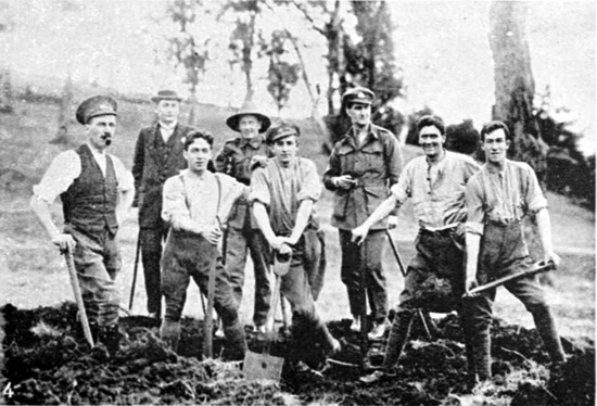 Men from A Company Claremont Camp, 22/6/1918.  [Weekly Courier 27th June 1918 p23]