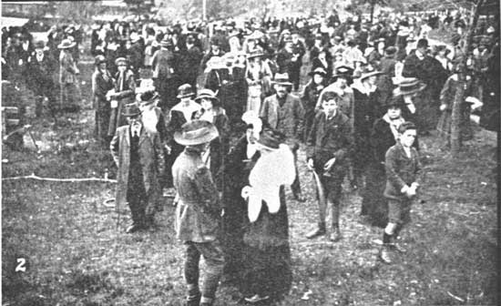 Crowd shot from the stand.  [Tasmanian Mail 8th August 1918 p18]