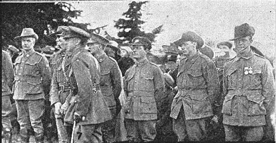 Guard of Honour.  [Tasmanian Mail 8th August 1918 p17]