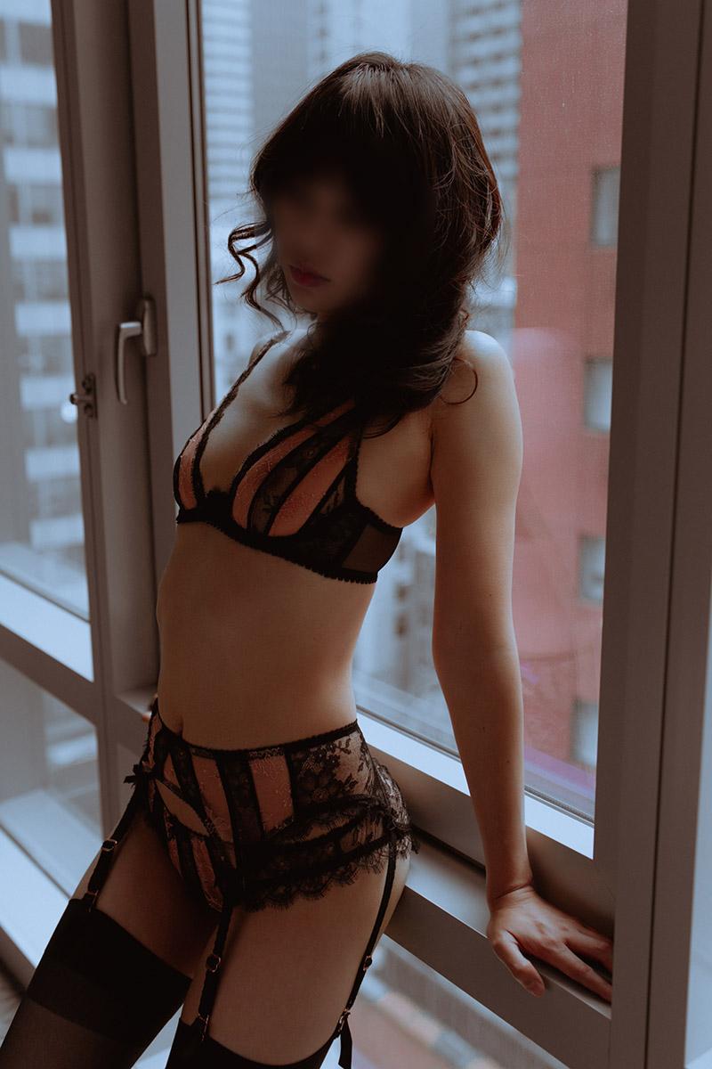 Natalie Moss_06_blur.jpg