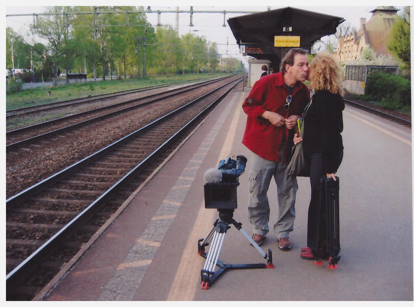 Syl and michka kiss.jpg