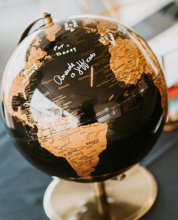 When your clients are major travellers, we like to suggest their guests leaving a message on a globe or a map instead of a traditional photo album or formal guest book.  How gorgeous is this black and gold one though?! We loved how it fit right in with the old world vibes we were going for.⠀ .⠀ .⠀ .⠀ Design, Partial Planning, Coordination: @frid.events // Photographer: @laurakellyphoto // Ceremony: @stgeorgescathedral // Reception: Isabel Bader Center // Transportation: @executrans @marshalllimobus // Stationery: @lafabere // Entertainment: @strikeapose.pb // Cake: @cakes_amy // Beauty: @hairdesignsbycourtney17 @ohsoprettyco // Florals: @lspdesigns⠀ .⠀ .⠀ .⠀ #weddingplanner #instawed #engaged #ottawa #fridevents #weddingphotographer #weddinginvitations #bridetobe #ottawawedding #marriage #weddinginspiration #weddingday #ontariobridesfeature #realwedding #canadianbride #ottawaweddings #quebecweddings #stylemepretty #weddinghair #ottawaweddingplanner #ottawaeventplanner #ottawabride #eventplanner #rusticwedding #industrialwedding #weddingblog #weddingvenues #junebugweddings #wedluxe #weddingbells⠀