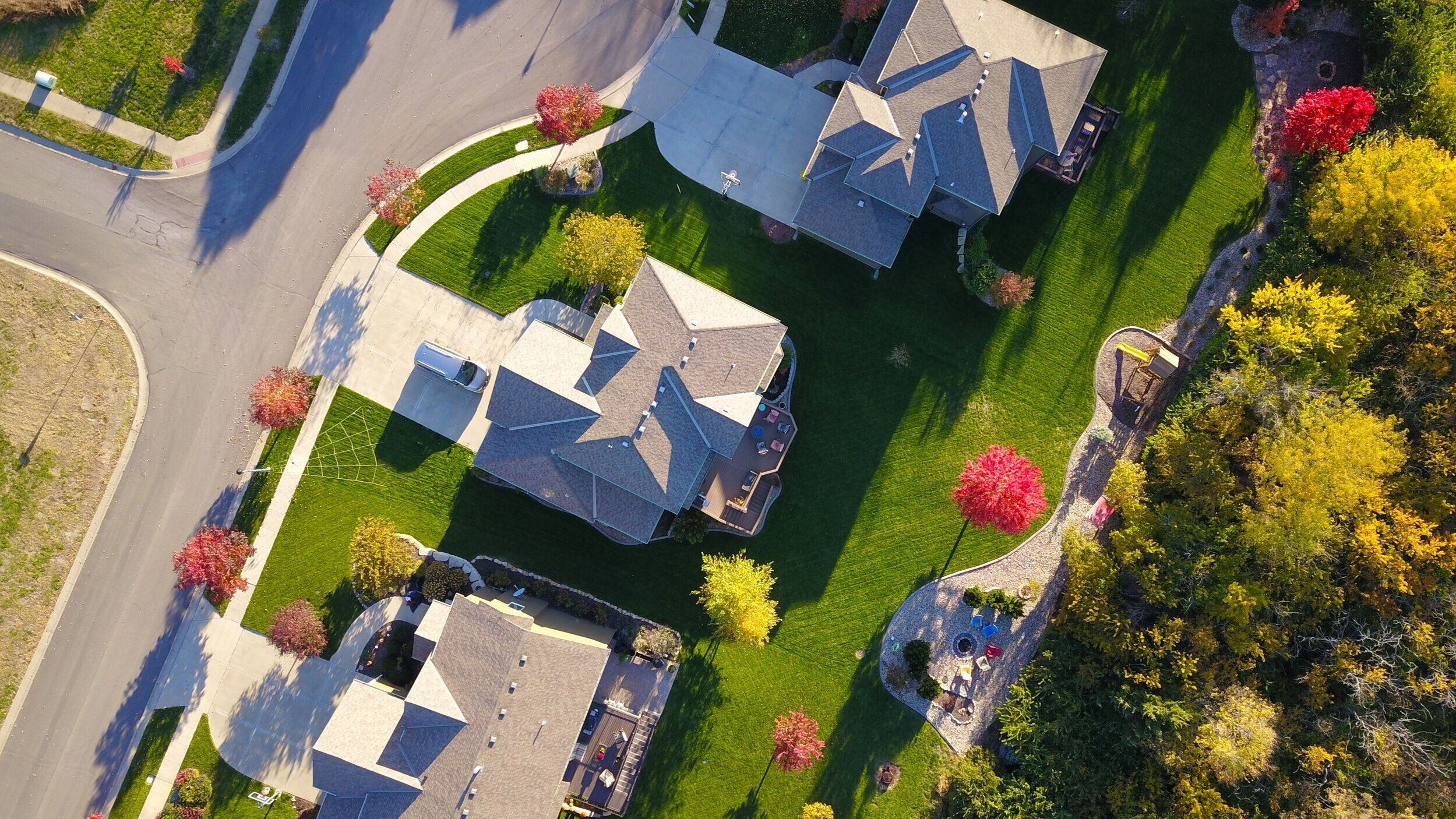 Property & casualty   Experts that make recommendations and also help you find errors in coverage, identify billing issues and risk and make informed decisions.
