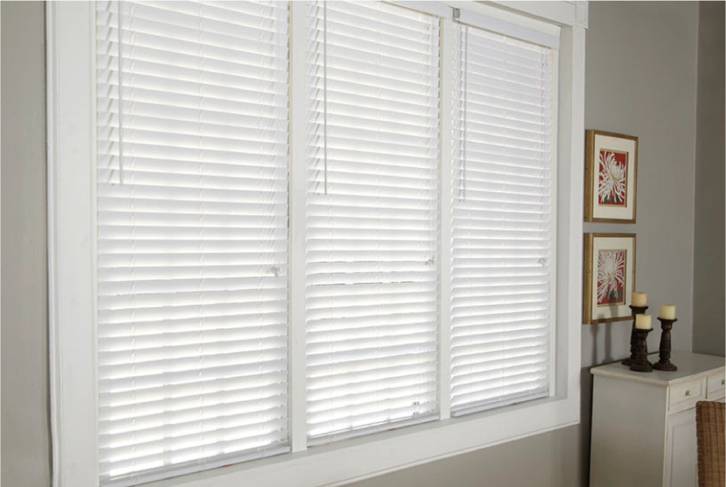 wood-window-blinds-white-venetian-white-wood-blinds-t35-white.jpg