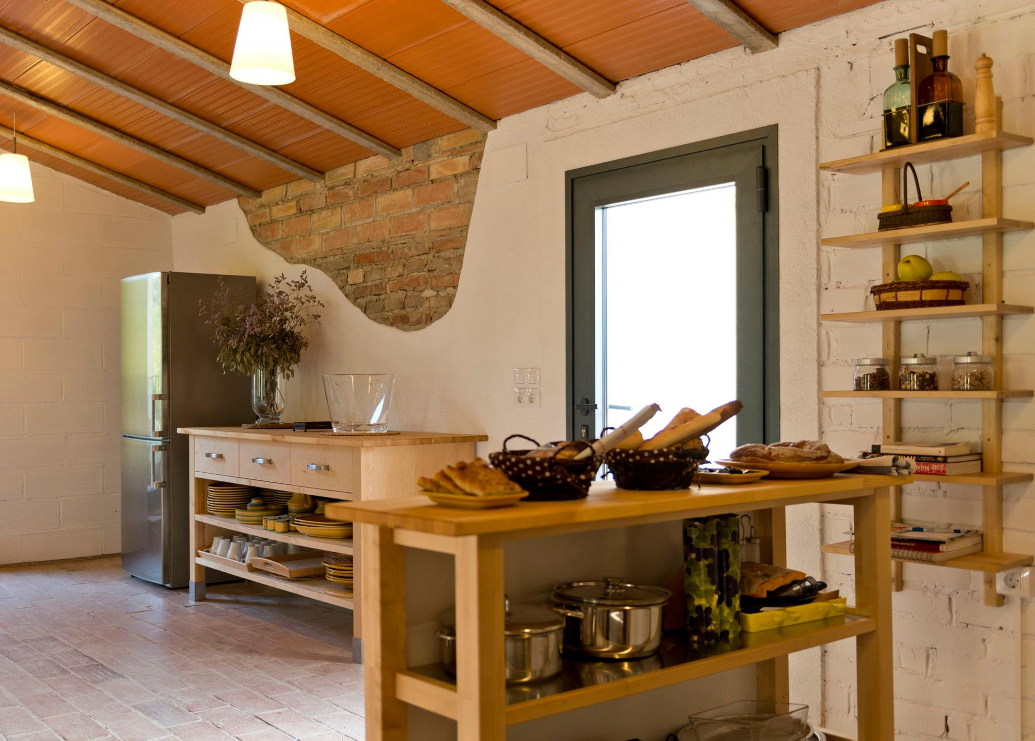Rustic kitchen fully stocked and equipped