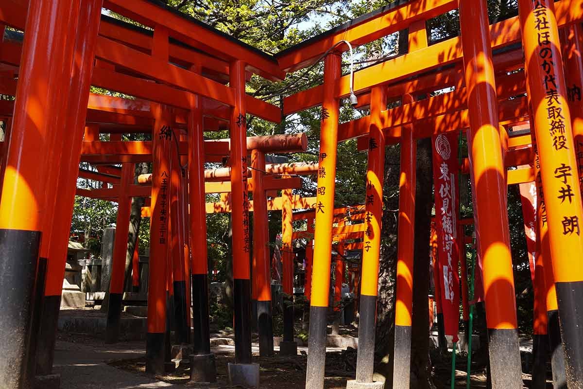 higashi-fushimi-torii-maze.jpg