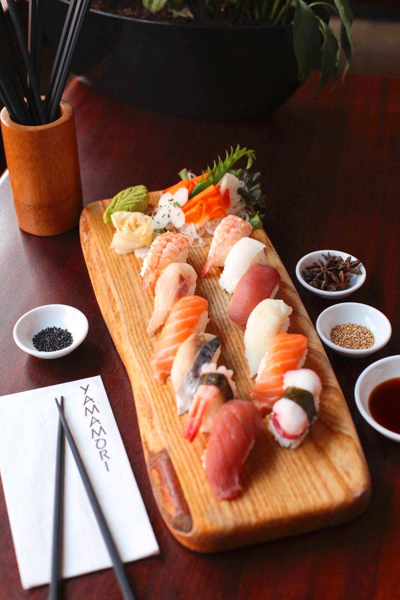 Sushi/Sashimi Platter