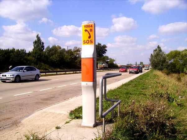 Emergency-Roadside-Telephone_lightbox.jpg