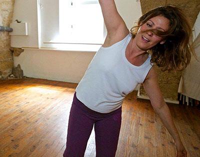 paula-in-studio-dancing400.jpg