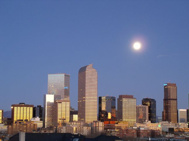 DenverMoon2.jpg