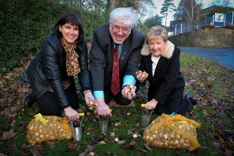 Photo caption: Left to right – Helen Attley (Milburngate), Cllr Neil Foster (centre) and Ann White (HM Passport Office)