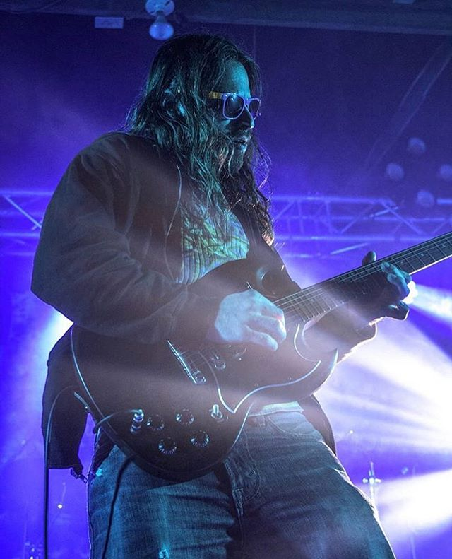 😎 @shmeethann rockin the night shades at @moonphaseproductions #phasesixluminousawakening 😎 Pic by @cannonamanda1 #thesnozzberries #thesnozzberriestastelikesnozzberries #livemusicphoto #gibson #gibsonsg #sunglassesatnight #festivalphotography #ashevillemusic #psychedelicrock #jamband #shreddykruger #wooklife #stablestudios #goseelivemusic