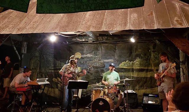 🌴 Swampy stomp vibes in Pawley's Island 🌴 Big announcement coming soon... 😆 #thesnozzberries #thesnozzberriestastelikesnozzberries #ashevillemusic #pawleysisland #pawleysislandtavern #psychedelicrock #swamprock #funkband #jamband #livemusic #goseelivemusic