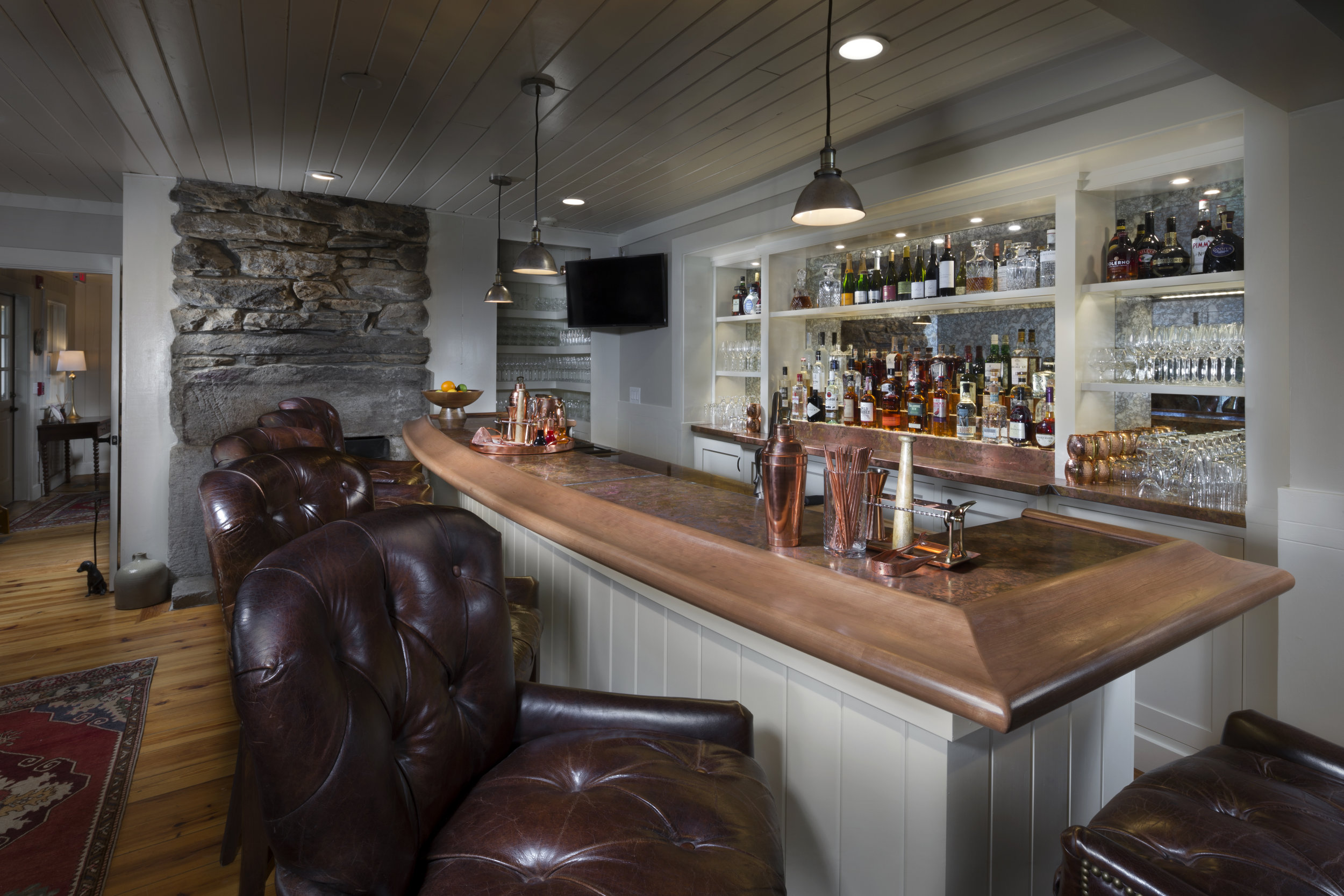 half_mile_farm_bar_03.jpg