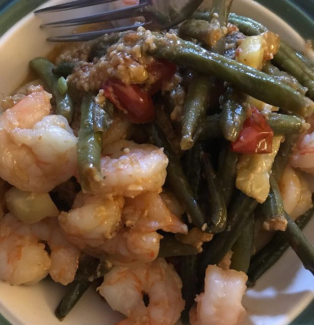 This is what I'm talking about when I say that @whole30 food doesn't have to be complicated, just throw some stuff in a pan.  Frozen shrimp, frozen green beans, some zucchini that has been better days and a few cherry tomatoes. Sauté with ghee and garlic and in 10 minutes you have a compliant dinner.  #whole30 #frozen #quickdinner #easydinner #easywhole30 #shrimp #whatsfordinner #onepanmeal