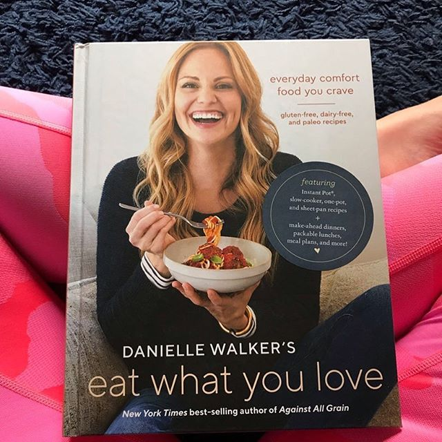 Time for a post-summit giveaway!  Our swag bags were FILLED with amazing products including this book. Well, I already have one so I want to give this copy to one of you!  Like this post and follow me and I'll randomly choose a winner Sunday night 8pm EST.  This giveaway has no affiliation with instagram, whole30 or Danielle Walker.  Must be 18 and live in the US to be eligible.  #tiuteam #lifeafterwhole30 #toddlermom #fitmom #whole30 #tiu #paleo #preschoolmom #instantpot #boymom #girlmom #mealprep #crockpot #sahm #paleoish #slowcooker #healthymom #momof2 #momoftwo #giveaway #daniellewalker #eatwhatyoulovebook