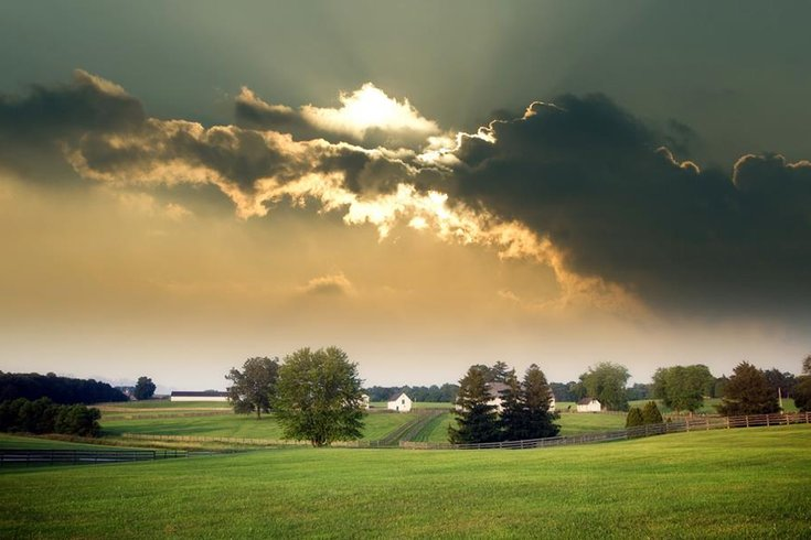 farm feild with home.jpg