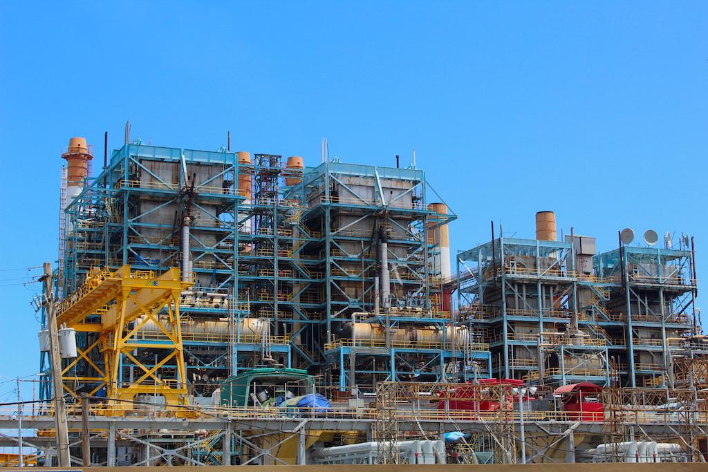 El complejo Palo Seco. Las plantas generatrices de Puerto Rico son entre 30 y 40 años más viejas que el promedio en la industria. (Víctor Rodríguez-Velázquez / ONCE)
