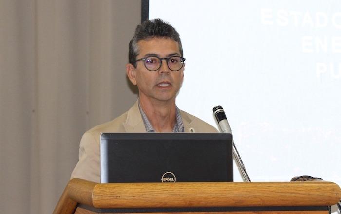 Lionel Orama Exclusa, profesor de la UPR en Mayagüez y miembro del Inesi. (dialogoupr.com)