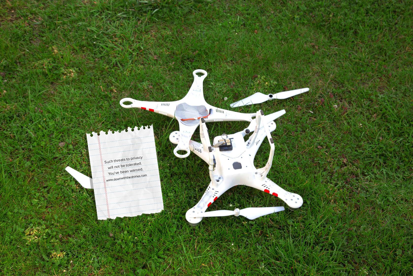 FrisbeedronestrikeNoFrisbee.png
