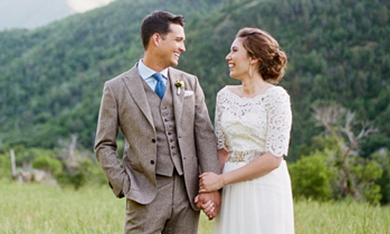 rustic-wedding-couple-on-the-hills.jpg