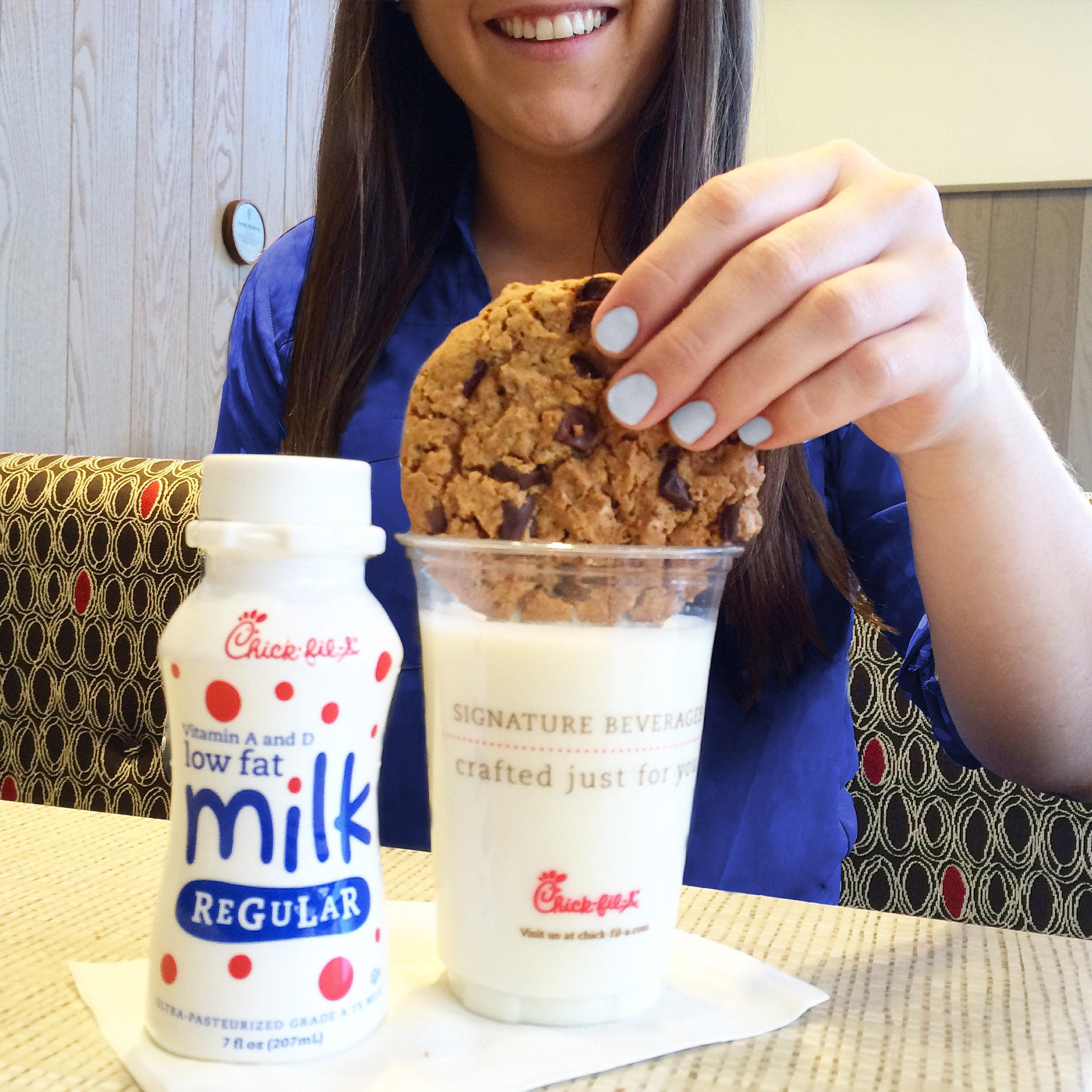 dipping_cookie.jpg