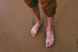 adult-bare-feet-barefoot-1249546.jpg