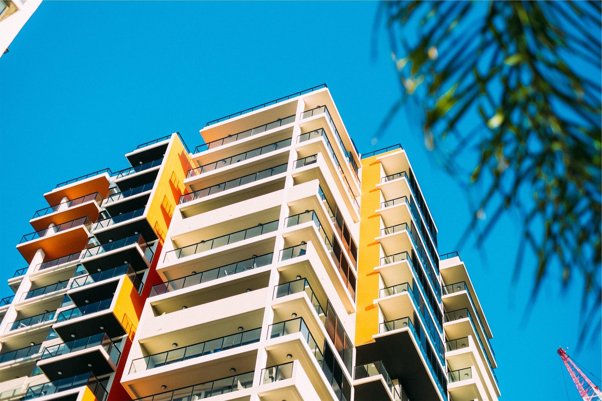 buildings-2626957_1920.jpg