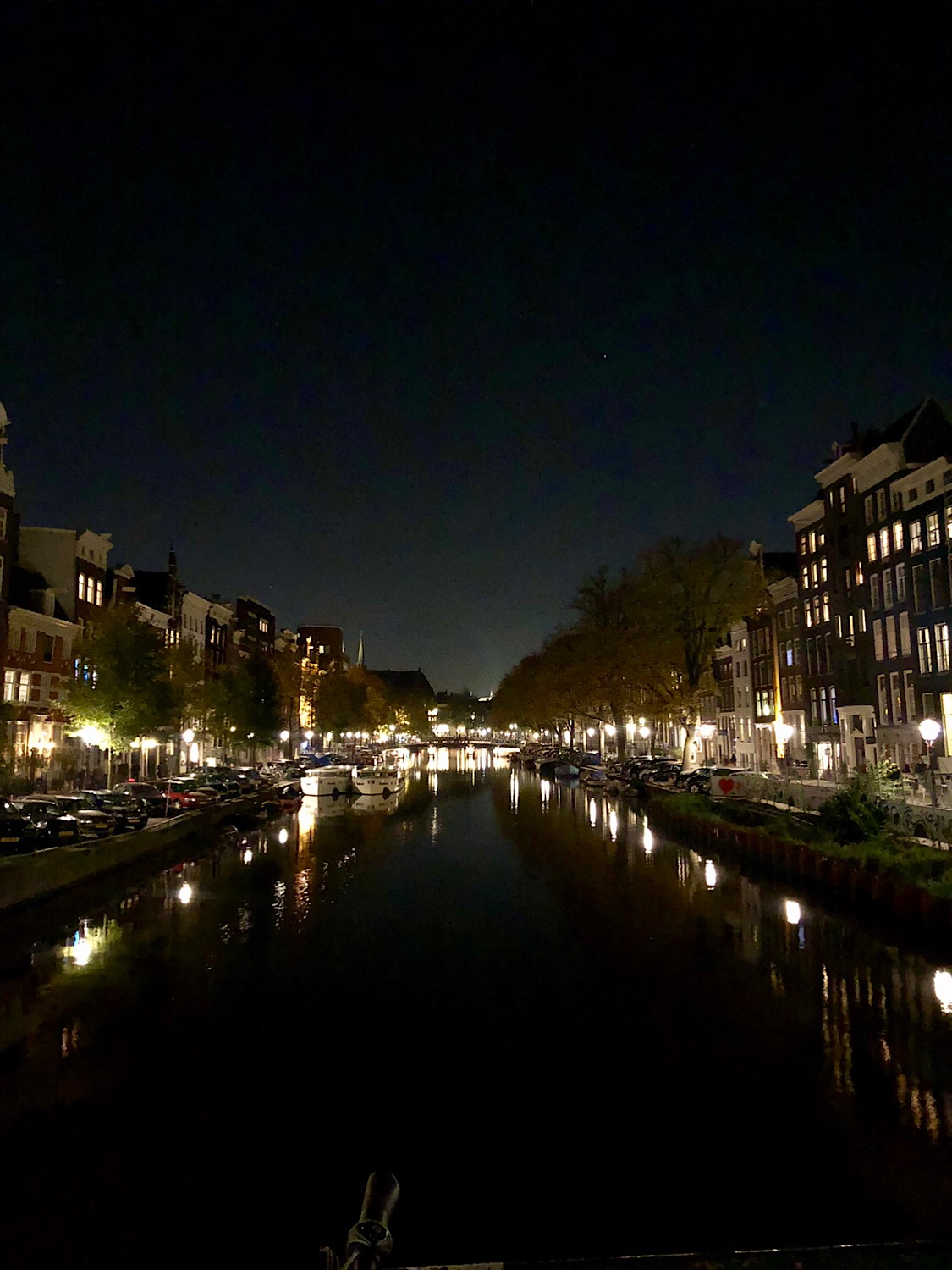 Night magic at the canals 💫💫💫